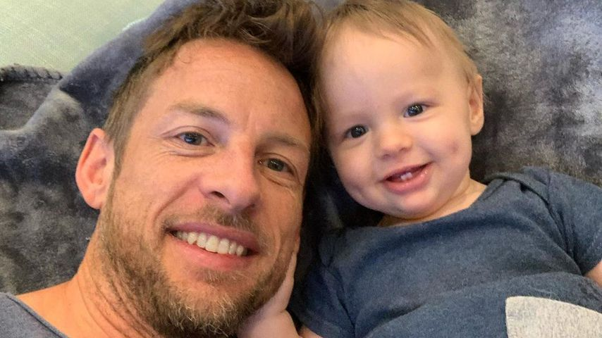 Jenson Button mit seinem Sohn Hendrix, Mai 2020