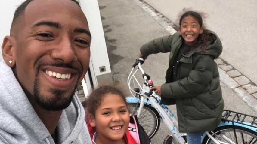 Happy Daddy: Jérôme Boateng genießt Zeit mit seinen Kindern