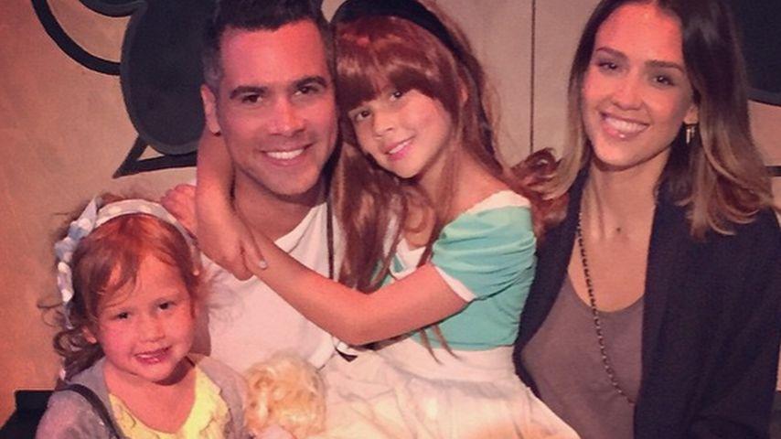 Jessica Alba und Cash Warren mit den beiden Kindern