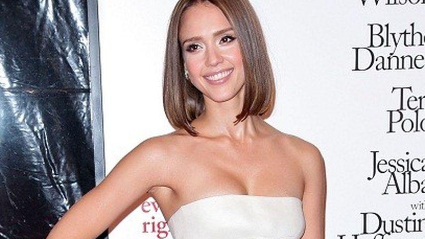 Jessica Alba: Kurzes Kleid und kurze Haare