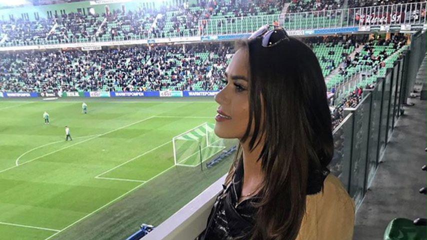 Neue Spielerfrau? Jessica Paszka supportet Freund im Stadion