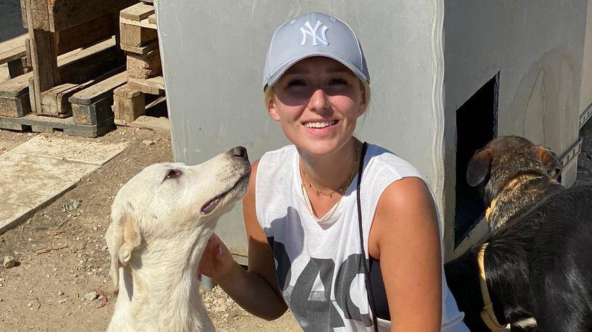 Jessica Schröder im Hundergarten Serres, Griechenland