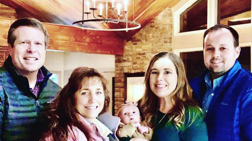Jim Bob und Michelle Duggar mit Anna und Josh Duggar