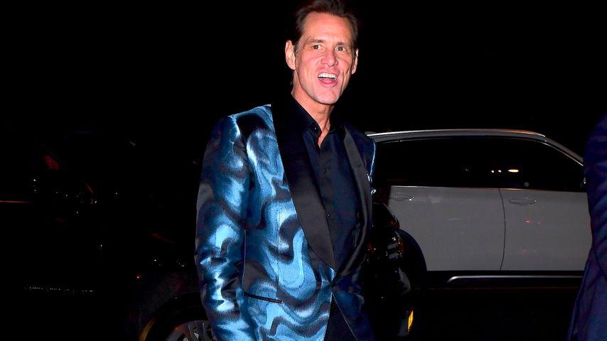 Auf Droge? Jim Carrey gibt superschräges Interview!