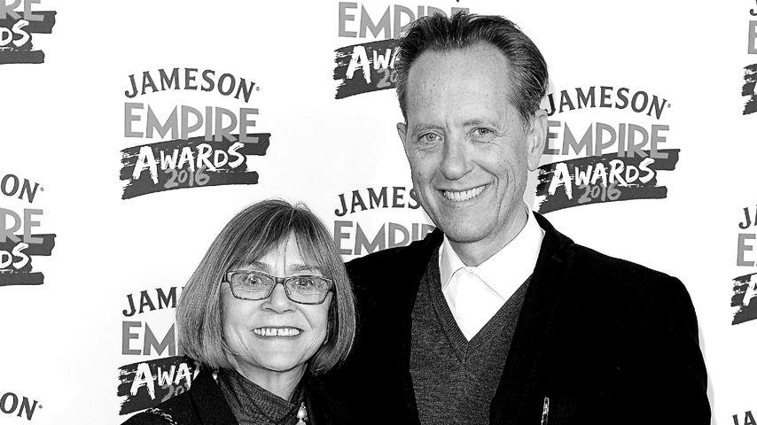 Joan Washington und Richard E. Grant im Jahr 2016 in London