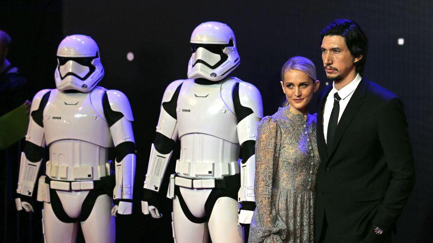 """Joanne Tucker und Adam Driver auf der Star Wars: The Force Awakens""""-Premiere im Dezember 2016"""
