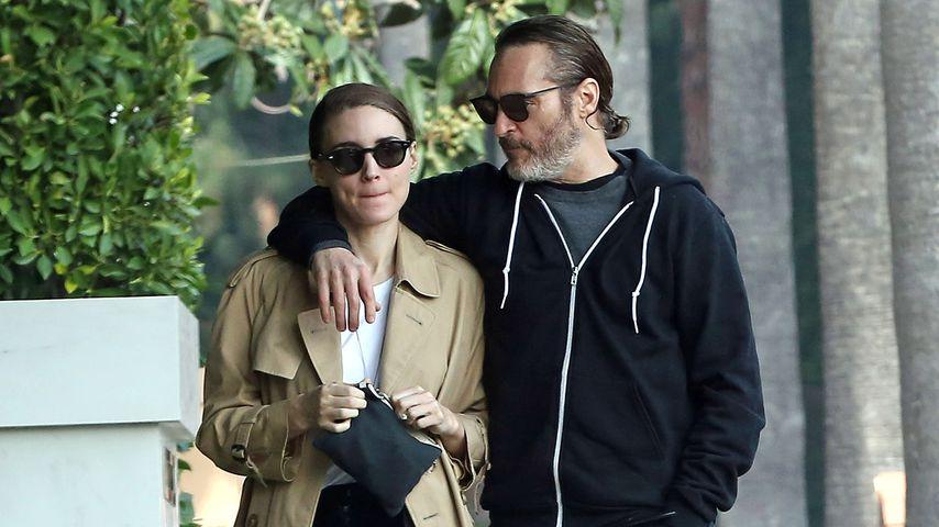 Rooney Mara und Joaquin Phoenix in Los Angeles
