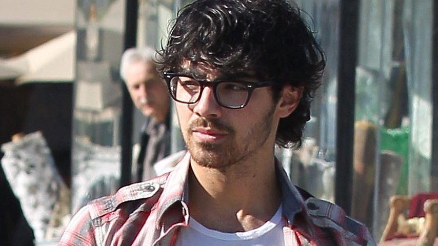 Joe Jonas verspottet Fans: Fiese Worte statt Fotos