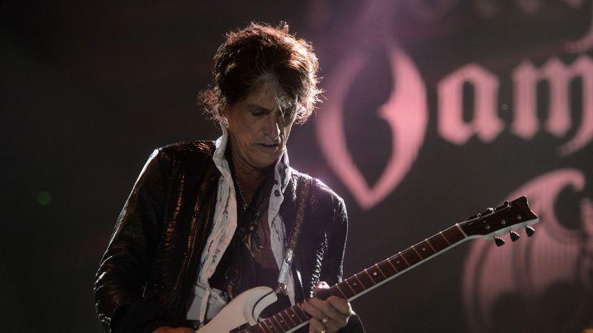 """""""Aerosmith""""-Gitarrist Joe Perry kollabiert während Konzert!"""