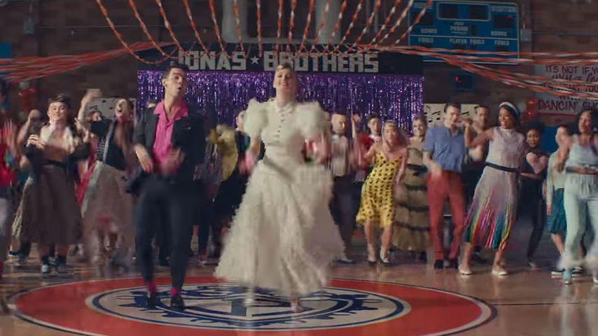 """Joe und Sophie Jonas in """"What A Man Gotta Do"""""""