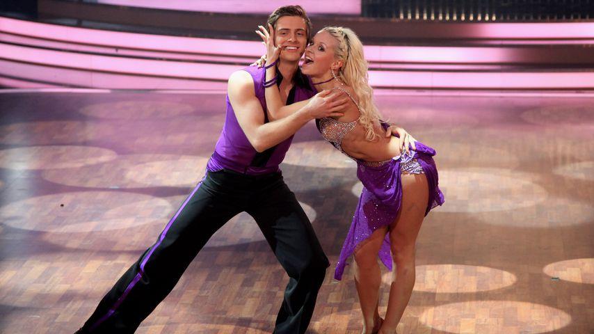 """Jörn Schlönvoigt und Helena Kaschurow bei """"Let's Dance"""" 2011"""