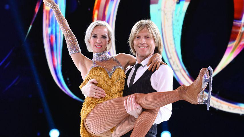 """John Kelly und seine Partnerin Annette Dytrt bei """"Dancing on Ice"""""""