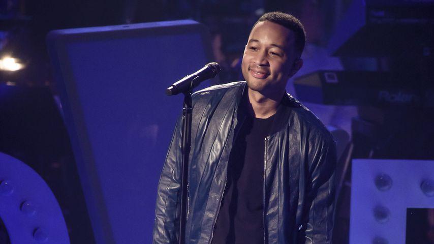 Für seine Fans: John Legend überrascht mit Bahnhofs-Konzert
