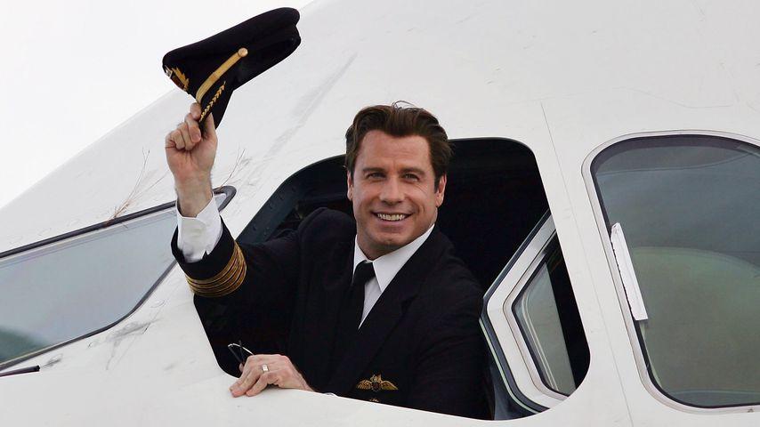 John Travolta in einem Flugzeug in Brisbane im November 2006