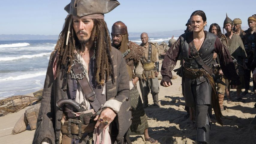 "Johnny Depp und Orlando Bloom als Jack Sparrow und Will Turner in ""Fluch der Karibik"""