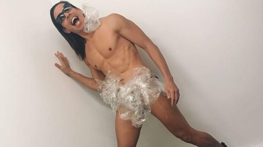 Für den guten Zweck: Hier posiert Jorge Gonzalez fast nackt