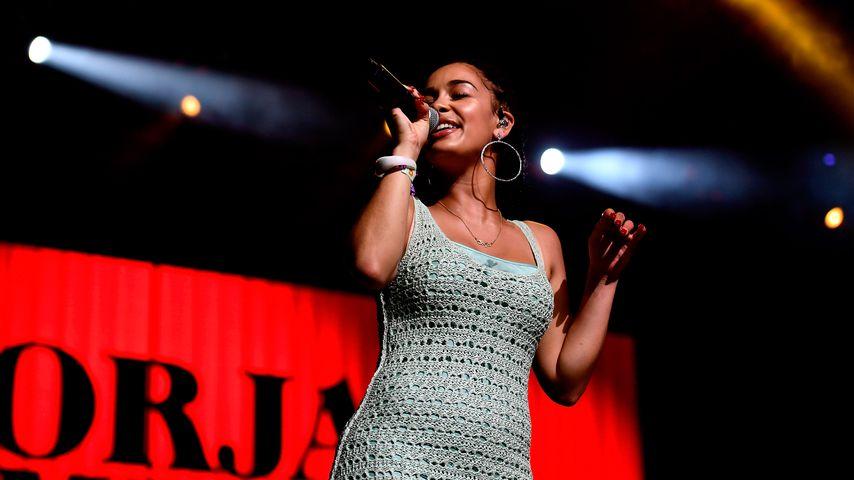 Jorja Smith bei einem Auftritt in Indio, Kalifornien