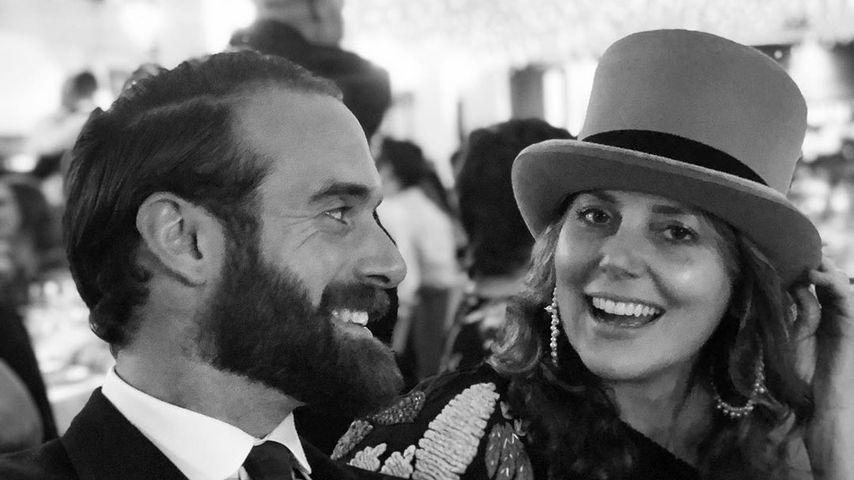 Joshua Sasse mit seiner Ehefrau Louisa Ainsworth