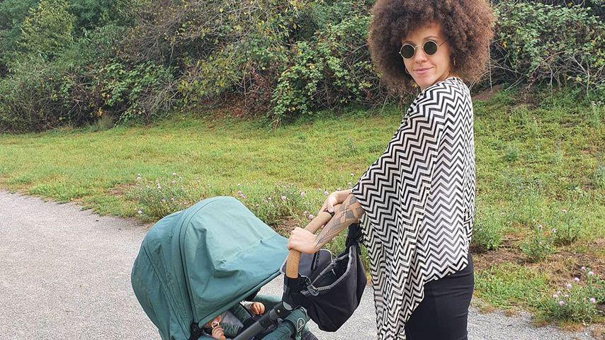 Joy Lee Juana Abiola-Müller mit ihrem Sohn Lovis