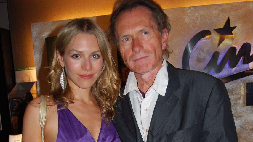 Julia Dietze neben ihrem Vater Mathias Dietze