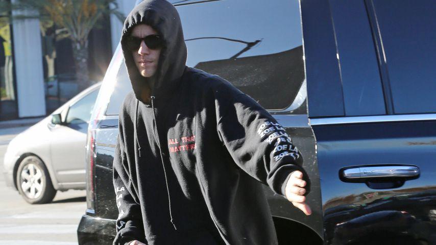 Heftig: Justin Bieber schlägt Hailey Autotür ins Gesicht!