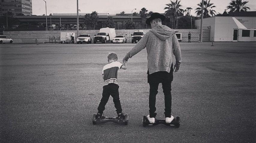 Justin Bieber: Kleiner Bruder beschießt seinen Mini-Biebs