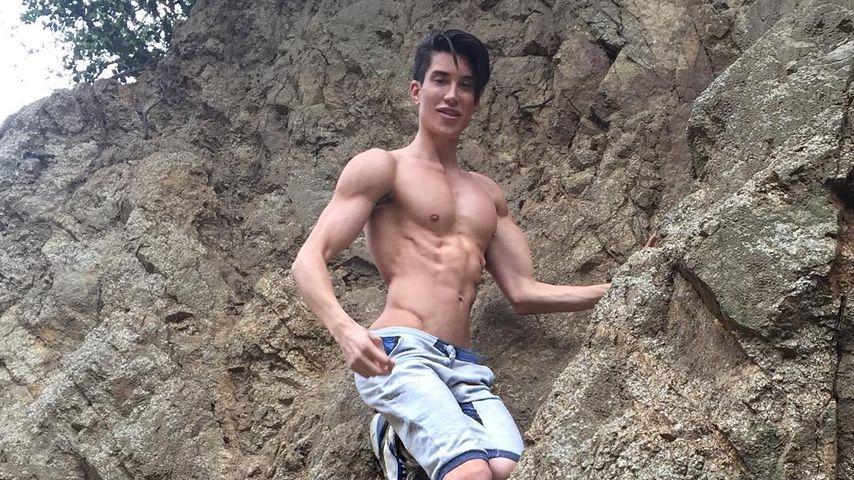 Justin Jedlica bei einem Wanderausflug
