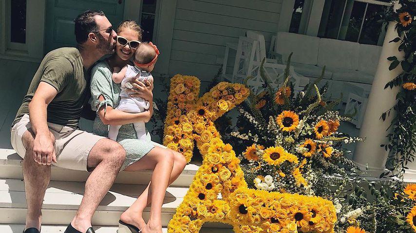Mit Family & Riesen-Blumendeko: Kate Upton feiert Geburtstag
