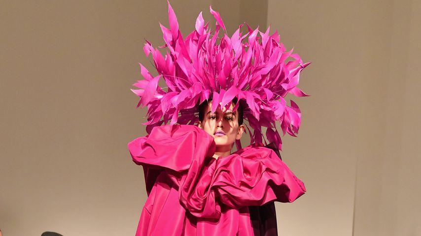Kaia Gerber bei der Valentina-Fashionshow in Paris