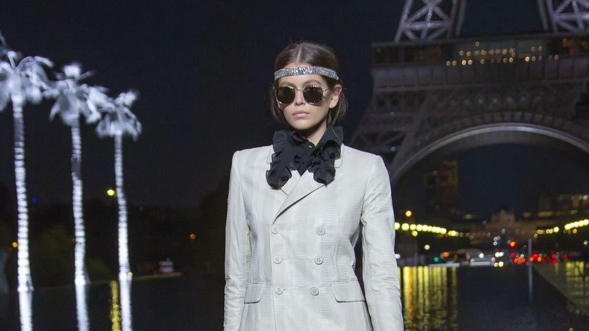 Kaia Gerber bei der Fashion-Show des Labels Saint Laurent