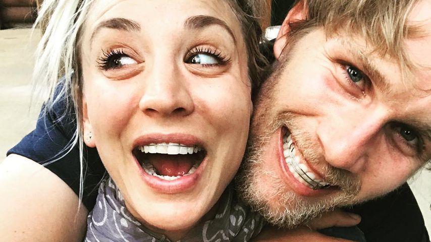 Pferdenarren im Partner-Look: Zahnspange für Kaley Cuoco!