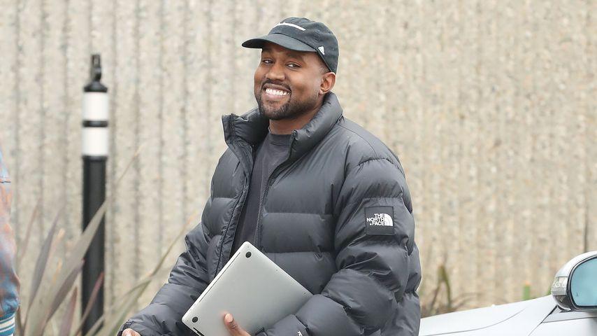 Kanye West vor seinem Studio in Los Angeles