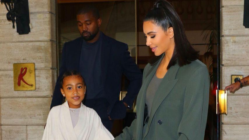Kanye West, North West und Kim Kardashian im November 2019
