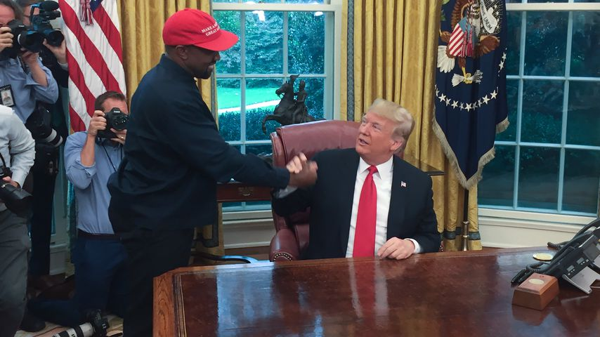 Kanye West und Donald Trump im Oval Office in Washington