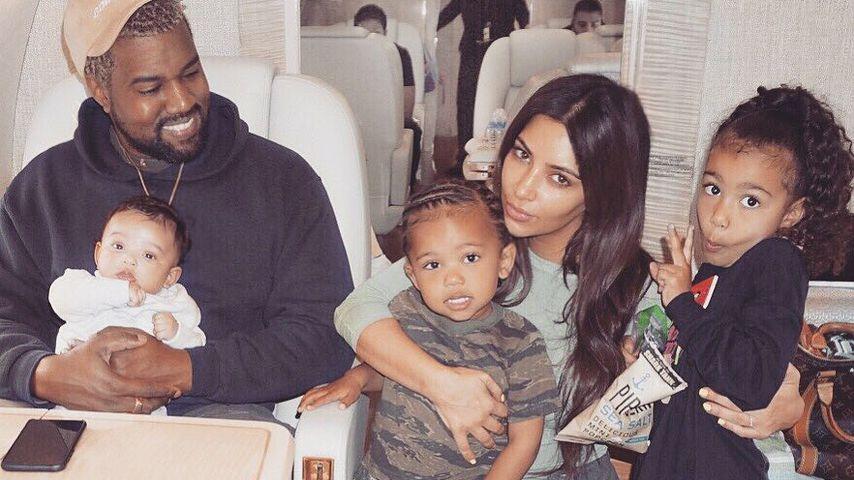 Kanye West und Kim Kardashian mit ihren Kindern Chicago, Saint und North