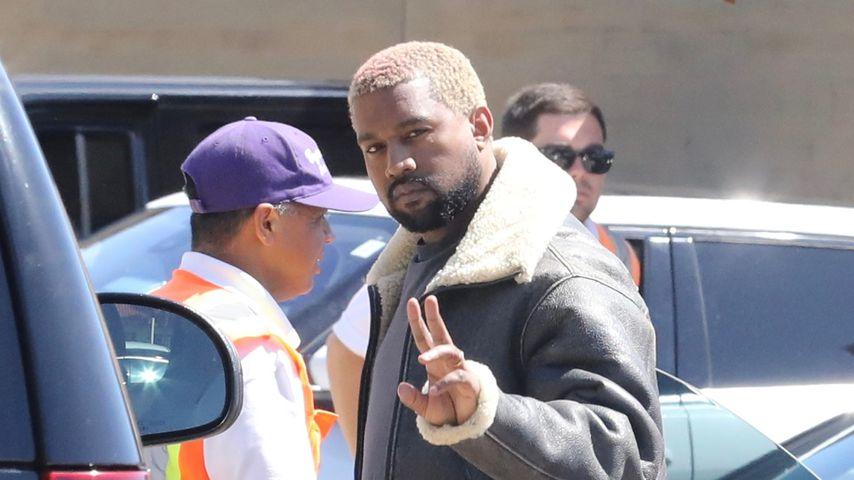 Papa-Pfunde? Kanye mit kleiner Plauze & Regenbogen-Haaren
