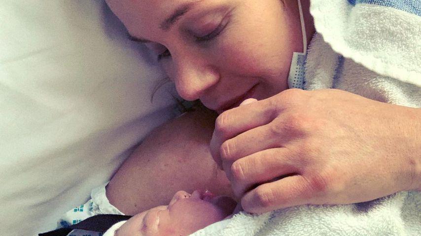 Kate Lawler und ihre Tochter Noa Daisy Ilse, 2021