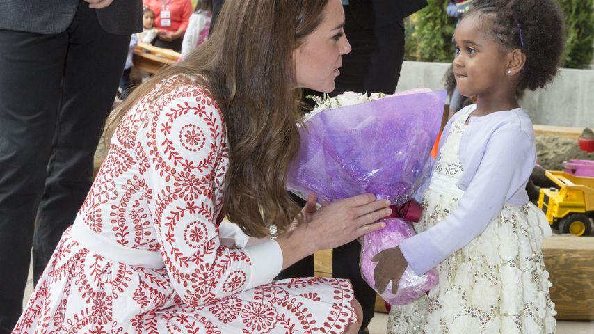 Blumenmeer: Was macht Herzogin Kate mit all den Geschenken?