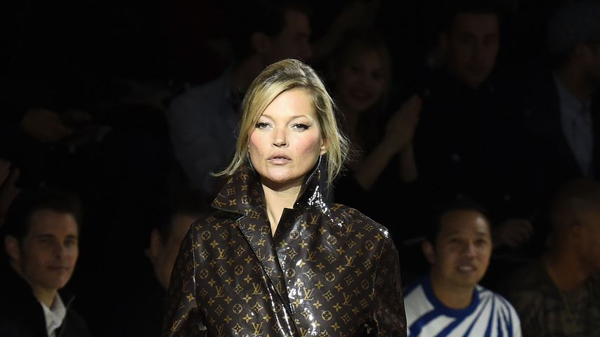 Kate Moss bei der Pariser Fashion Week 2018