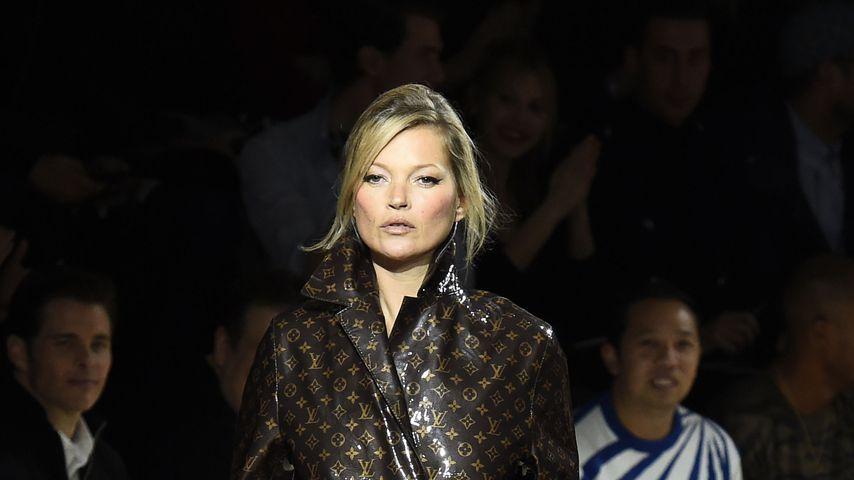 Hups! Kate Moss mit offener Hose auf der Straße