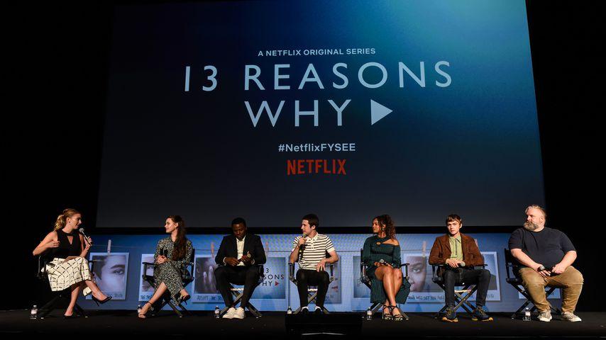 """Der Cast von """"13 Reasons Why"""" bei einer Pressekonferenz"""