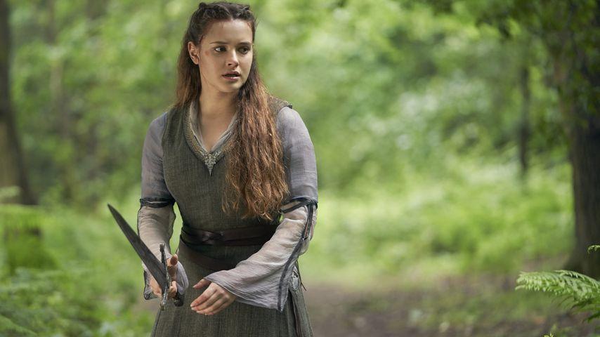 "Katherine Langford in der Netflix-Serie ""Cursed"""