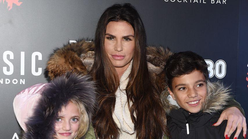 Katie Price mit ihren Kindern Princess und Junior