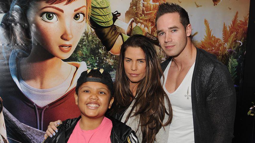 Katie Price mit Sohn Harvey und Kieran Hayler im Jahr 2013