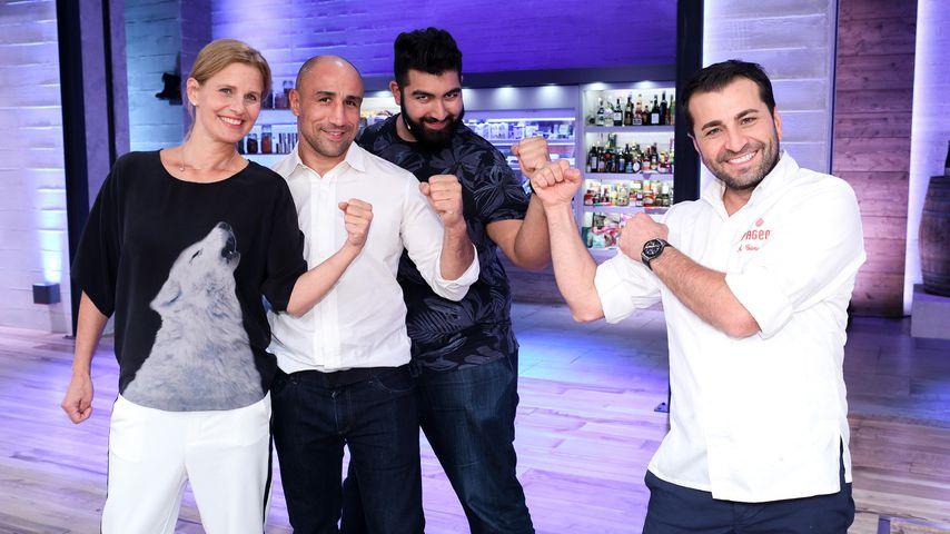 "Katrin Müller-Hohenstein, Arthur Abraham, Faisal Kawusi und Ali Güngörmüs bei ""Grill den Profi"""