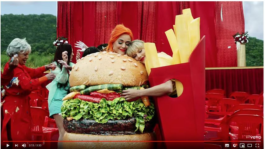 Kein Beef? Katy und Taylor als Fast-Food-Friends in Songclip