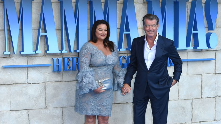 "Keely Shaye Smith und Pierce Brosnan bei der Premiere von ""Mamma Mia! Here We Go Again"""