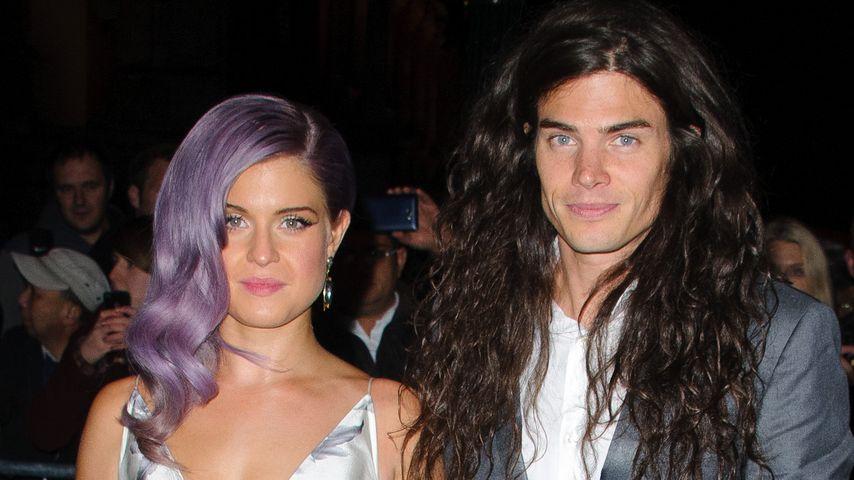 Hat Kelly Osbourne sich heimlich verlobt?
