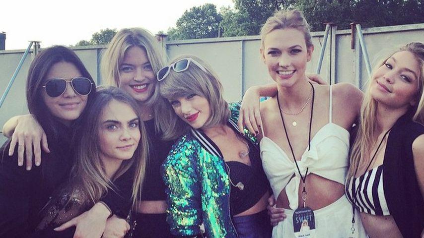 Kendall Jenner, Cara Delevingne, Martha Hunt, Taylor Swift, Karlie Kloss und Gigi Hadid