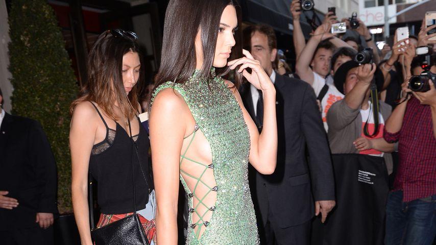 Hallo Sideboob! Kendall Jenner zeigt viiiel Haut